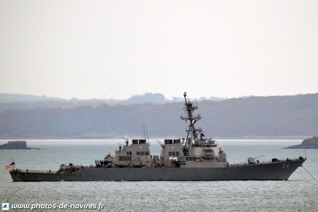 USS-Carney-1